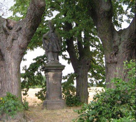 socha sv.Donáta u Škvorce.JPG