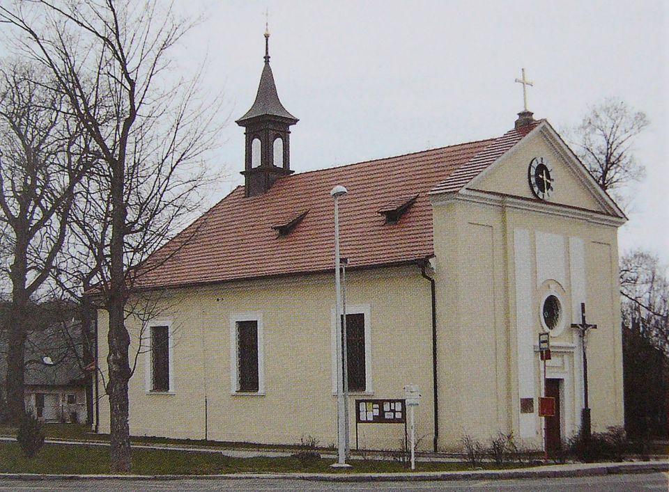 kostel Kolodeje.JPG