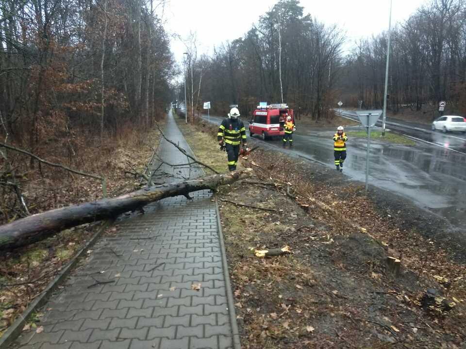 zásah3 10_2_2020 zdroj SDH Újezd nad Lesy.jpg