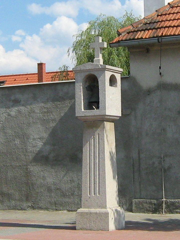 zvonička na staroújezdské.JPG