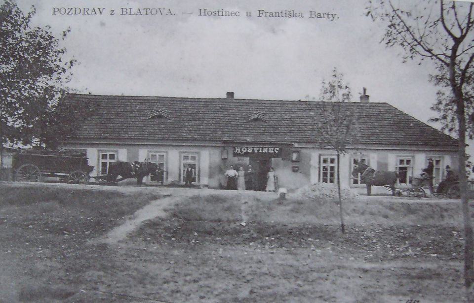 hostinec Frantiska Barty na Blatove 1917.JPG