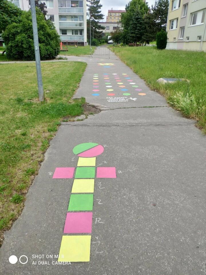 Hry na chodníku_4.jpg